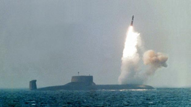 как происходит запуск ракеты с подводной лодки