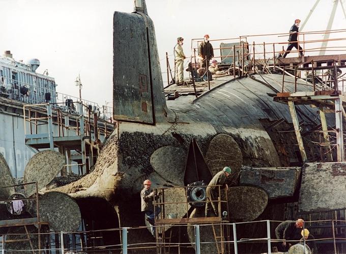 атомной подводной лодке в большом камне