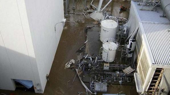На АЭС Фукусима-1 откачают 500 тонн загрязнённой воды