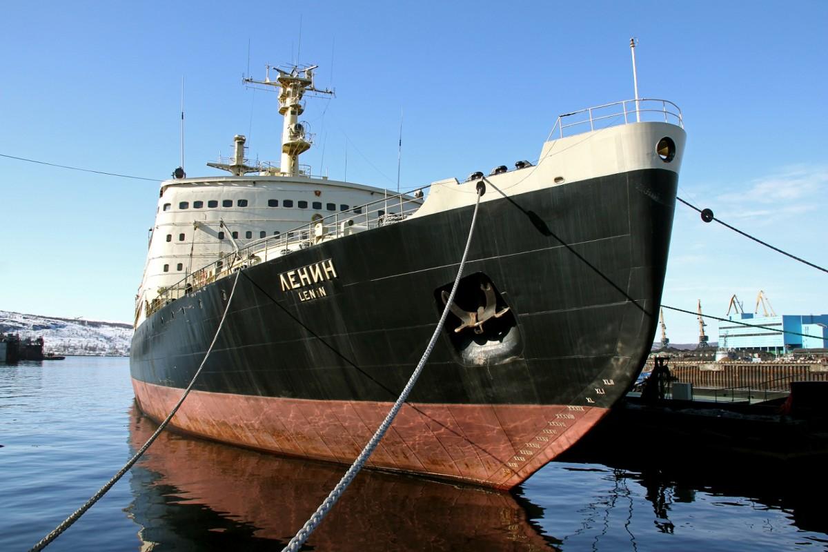 Атомный ледокол «Ленин» посетил посол США в РФ Джон Теффт
