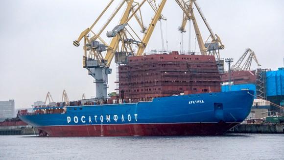 Головной атомный ледокол «Арктика» сдадут Росатому в мае 2019 года