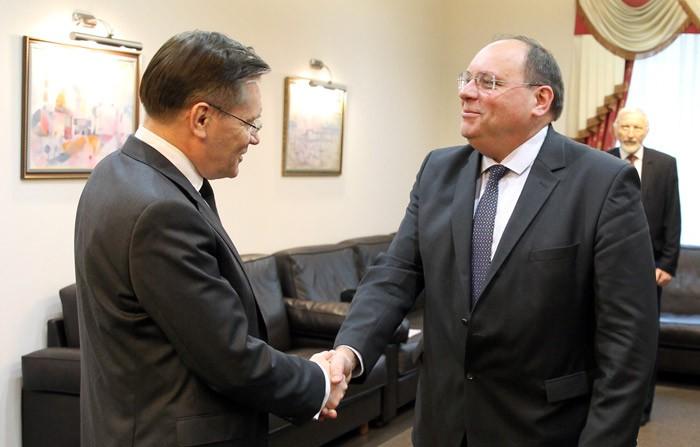 Председатель Всемирной ассоциации операторов АЭС поздравил сотрудников Росатома с запуском первого в мире энергоблока поколения 3+