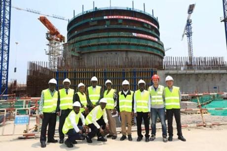 Делегация из Уганды посетила китайские ядерные объекты