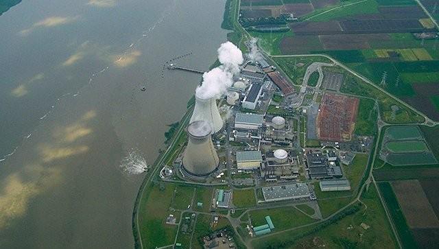 """СМИ: на корпусе третьего реактора АЭС """"Дул"""" в Бельгии обнаружены 250 трещин"""