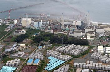 """09:54 На АЭС """"Фукусима-1"""" скоро закончится место для хранения радиоактивной воды"""