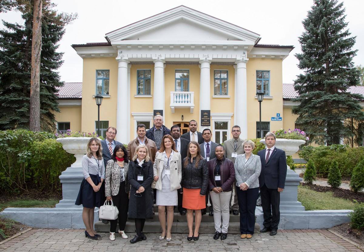 В Дубне прошла третья международная стажировка «Опыт ОИЯИ для стран-участниц и партнеров»