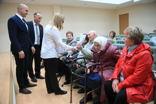 Свыше 100 тыс. руб. получили ветераны боевых действий Курчатова в рамках благотворительной корпоративной программы Курской АЭС