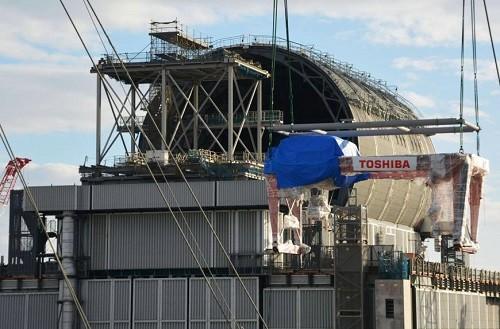 На третьем блоке АЭС Фукусима Дайичи начался монтаж оборудования для разгрузки бассейна выдержки