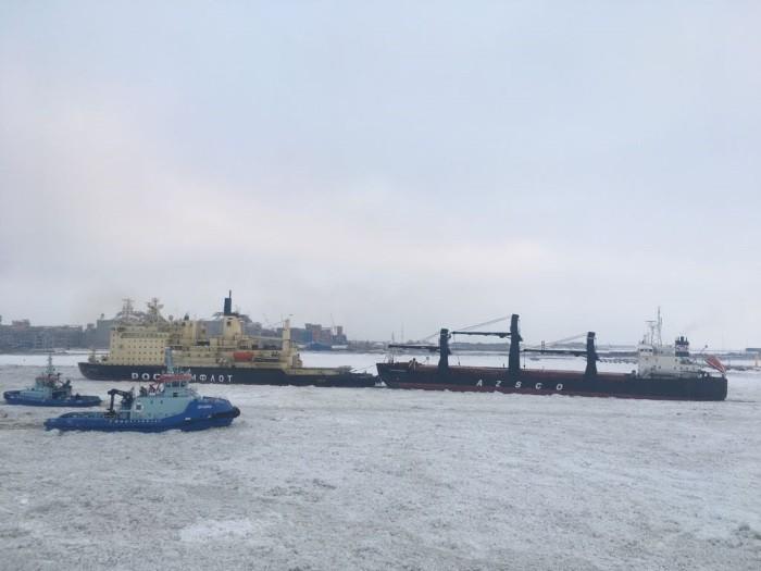 Росатомфлот продлевает зимне-весеннюю навигацию из-за тяжелых ледовых условий