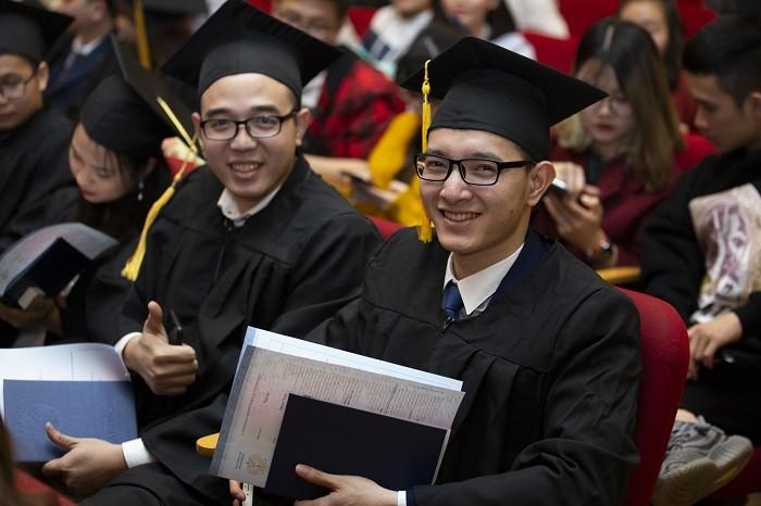 Kết quả hình ảnh cho выпуск диплом вьетнам